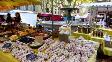 Uzes market, Saturdays and Wednesdays in Uzes, Languedoc Roussillon, France