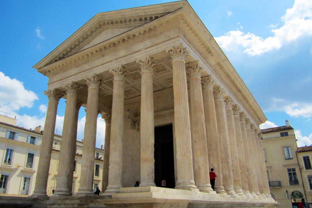La Maison Carrée, Nîmes, Languedoc Roussillon, France