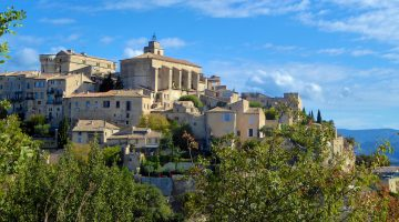 Gordes, the most splendid perched village in the Luberon, Provence