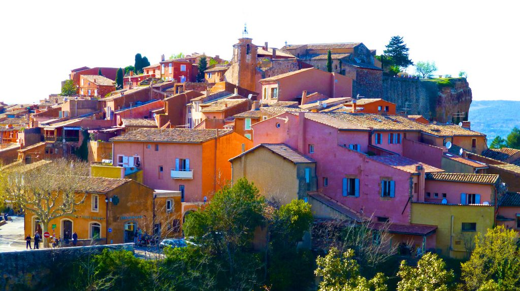 Plan your stay in Loumarin, visit Roussillon, Luberon, Provence, France