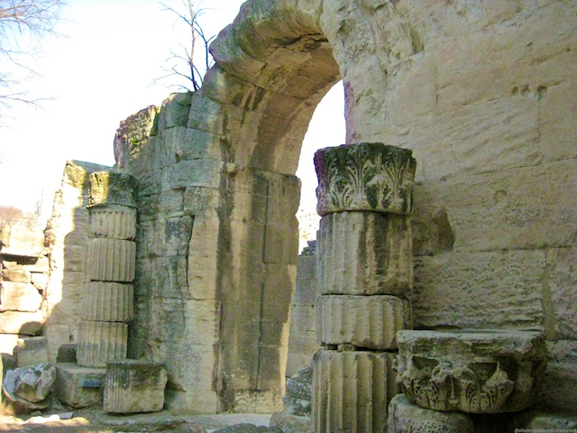 Travel Guide, Arles, nr Uzes, nr Provence, Languedoc Roussillon, France