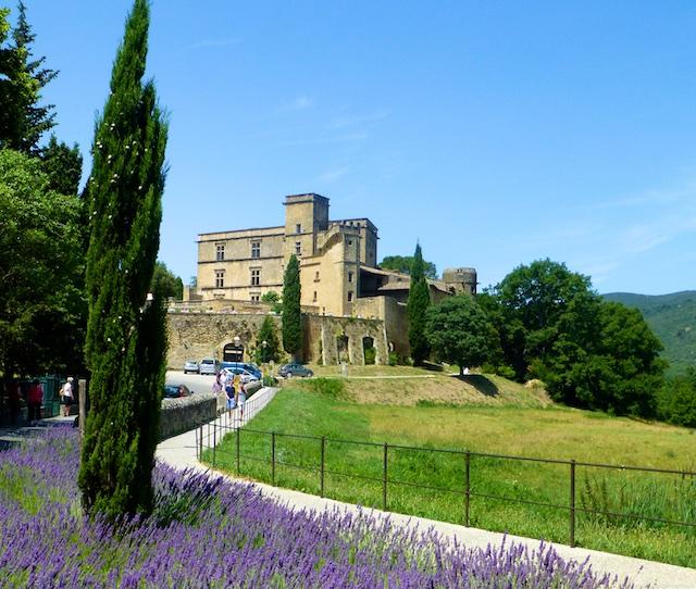 PDF Travel Guide for Lourmarin, the Lourmarin Chateau