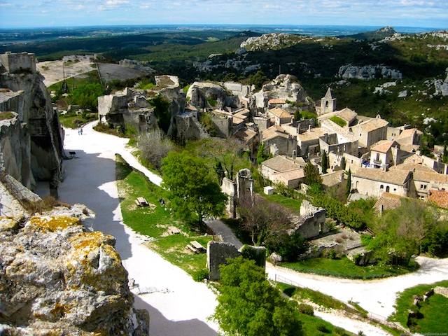 Travel Guide, Les Baux de Provence, Provence, nr Uzes, Languedoc Roussillon, France