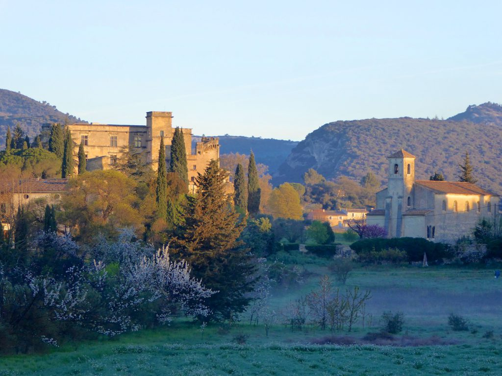 Lourmarin Chateau and church at first light, Lourmarin, Luberon, Provence, France