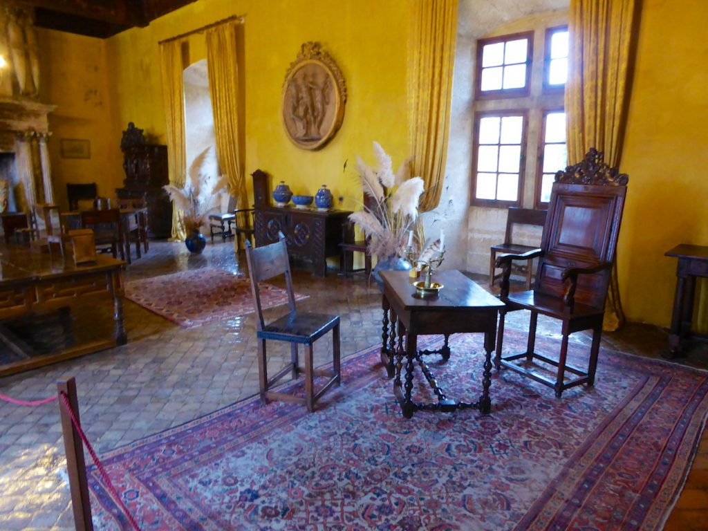 Reception room inside the Lourmarin chateau, Loumarin, Luberon, Vaucluse, Provence, France