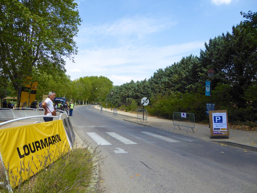 Tour de France route into Lourmarin