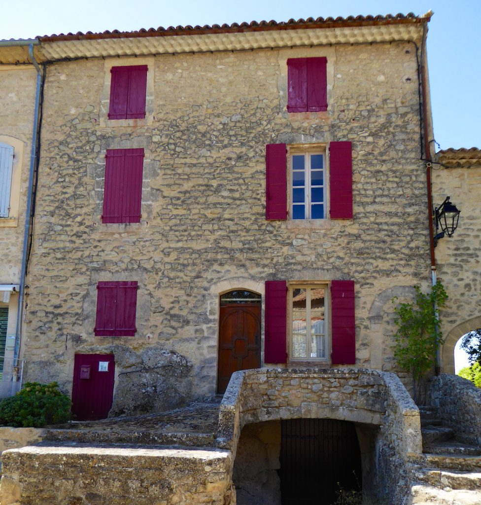 Property in Grambois, Luberon, Vaulcuse, Provence, France