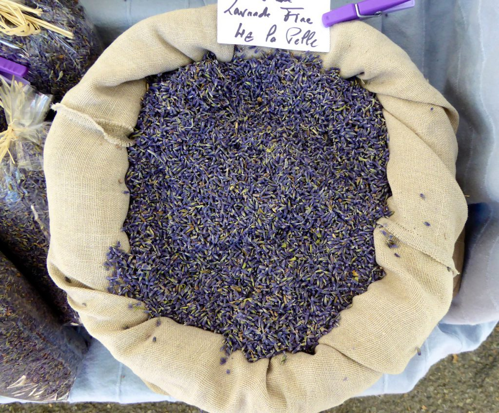Lavender in the Lourmarin market