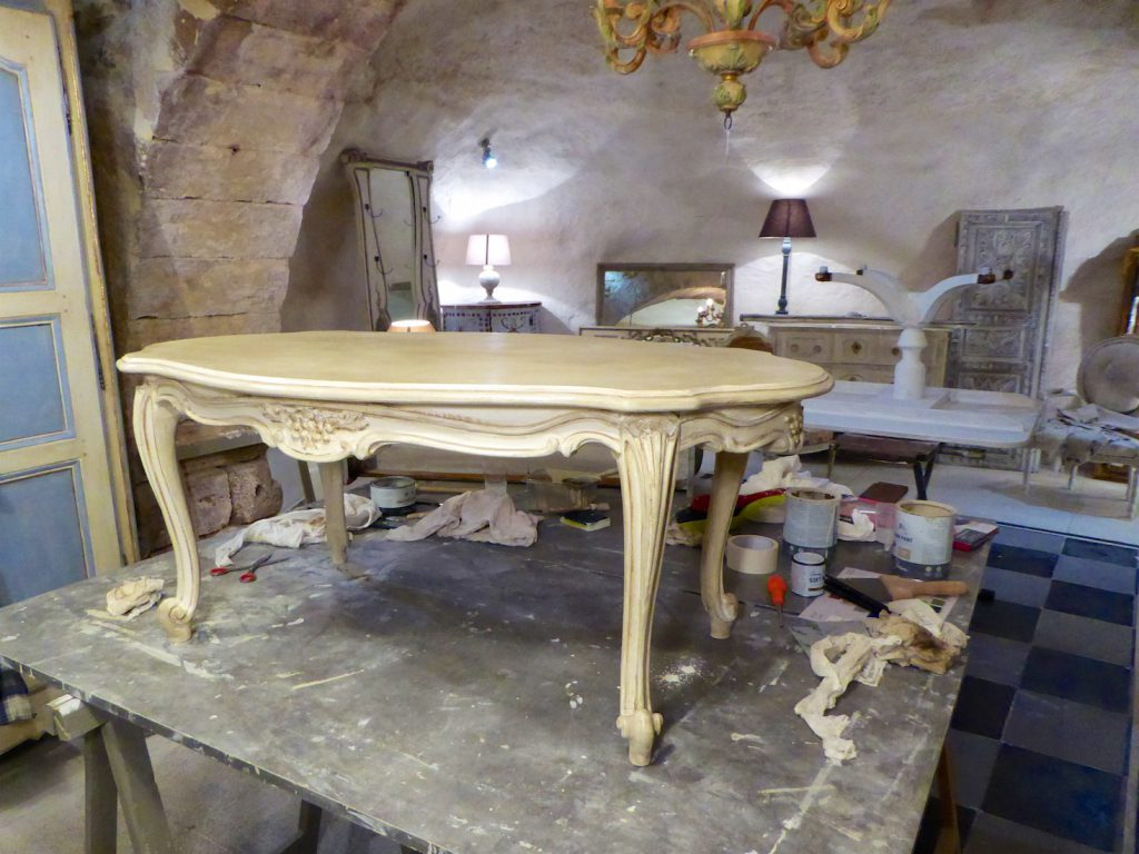 Atelier de Couleurs furniture painting workshop, Luberon, Vaucluse, Provence, France