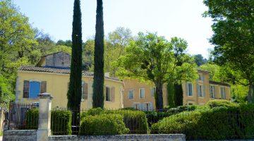 Le Château Constantin, Lourmarin, Luberon, Vaucluse, Provence, France