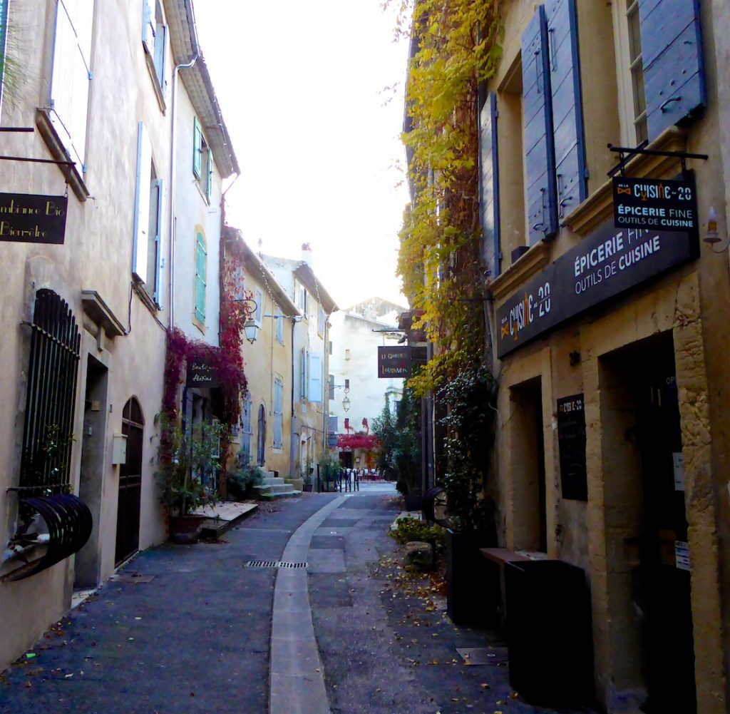Rue du Temple, 84160 Lourmarin, France