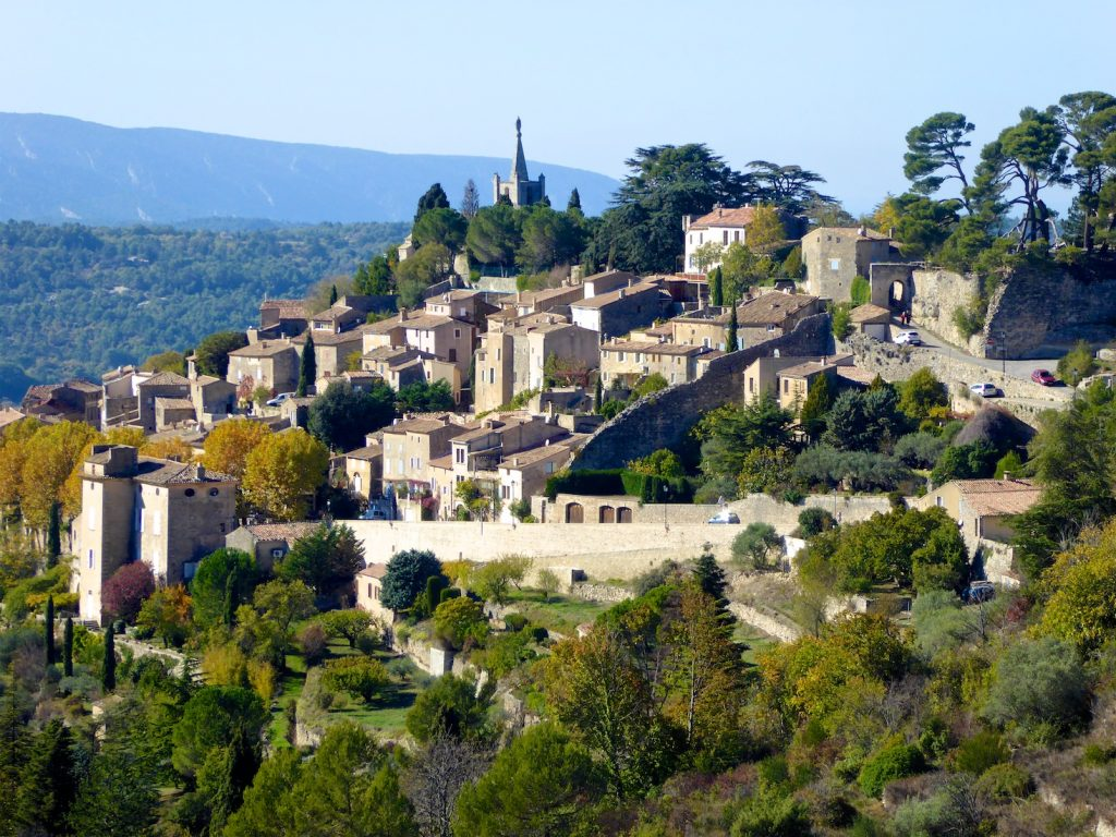 Bonnieux, a perched village of the Luberon, Provence