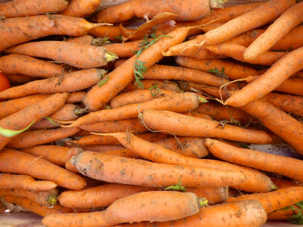 Carrots in the Lourmarin Market, Lourmarin, Luberon, Provence, France