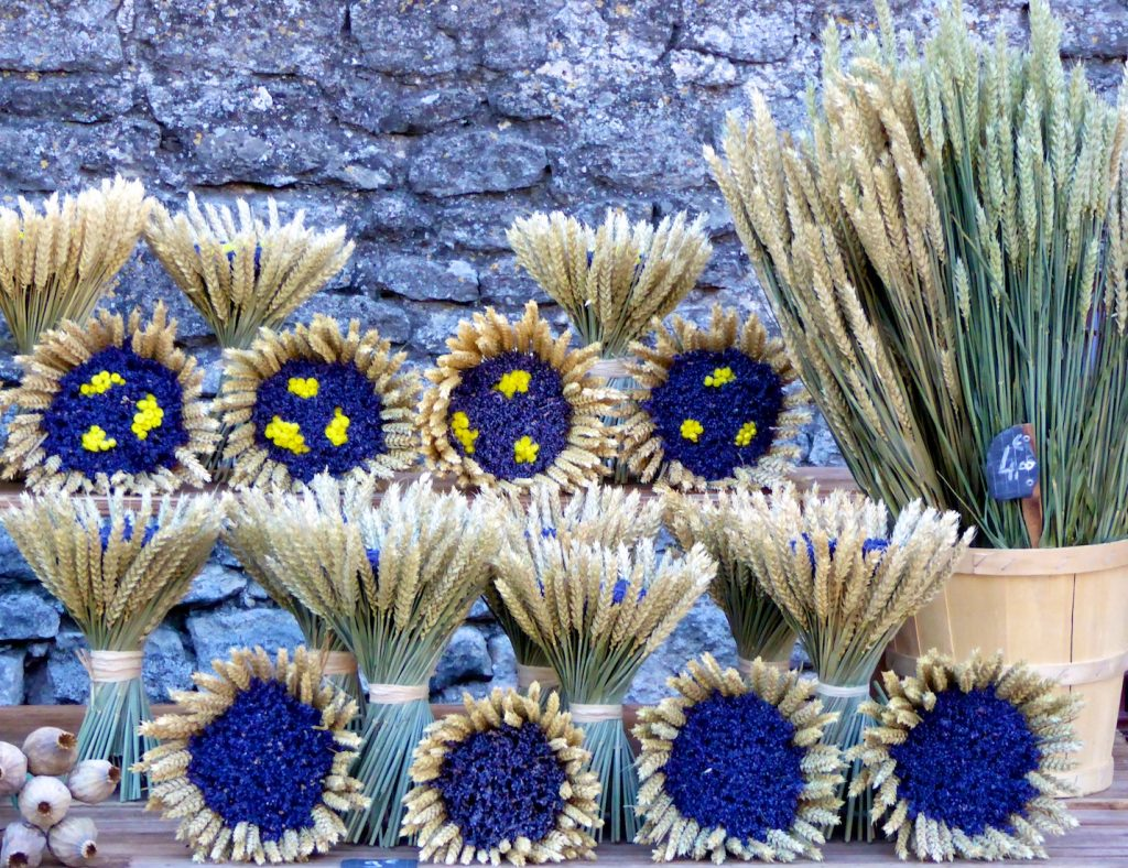 Lavender and wheat at Gordes Market, Luberon, Provence, France