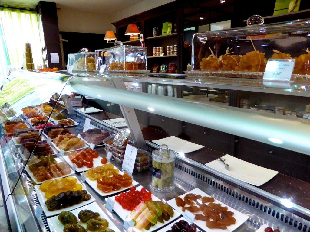 Shop counter at Lilamand Confiseur, L'Isle-sur-la-Sorgue, Luberon, Vaucluse, Provence, France