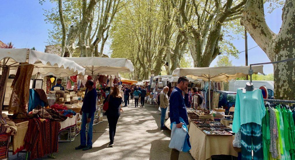 Lourmarin Travel Guide, Lourmarin Friday Market, Luberon, Provence