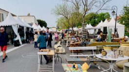 Spring Antiques Fair in l'Isle sur la Sorgue Luberon, Vaucluse France