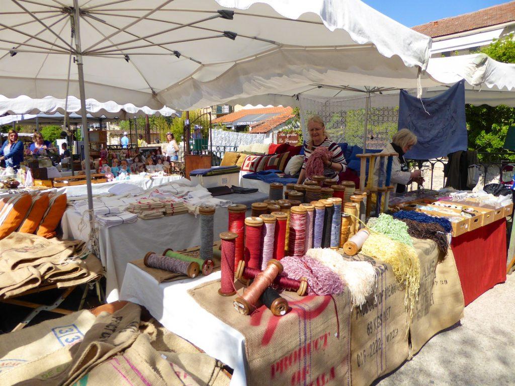 Stall at l'Isle sur la Sorgue Sunday Antiques market, Luberon, Vaucluse, Provence, France