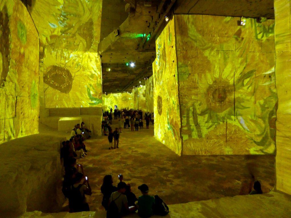 Carrières de Lumières 2019 Van Gogh's sunflowers