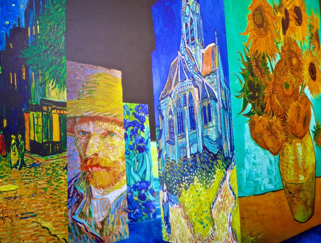 Carrières de Lumières 2019 La Nuit étoilée Van-Gogh
