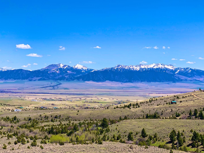 Views from Highway '287' near Ennis, Montana, USA